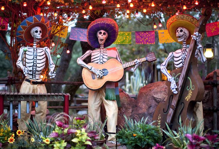 disneyland dia de los muertos halloween - When Does Disneyland Decorate For Halloween