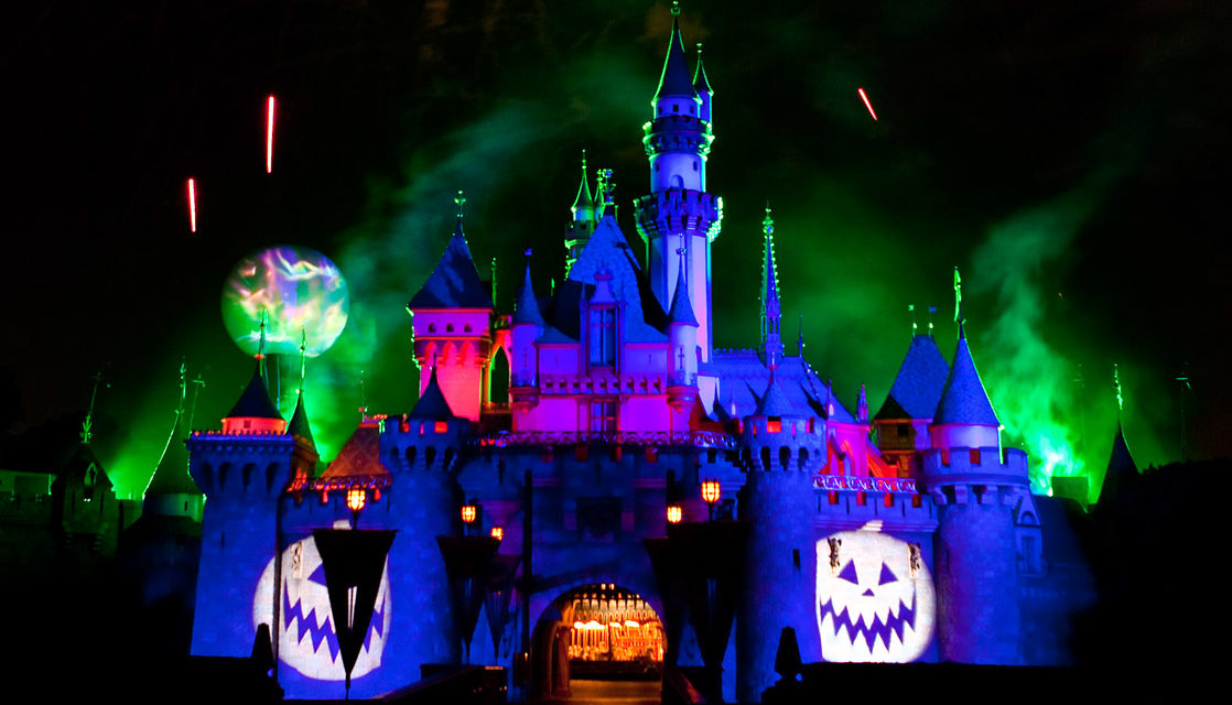 disneyland halloween 2018 guide rides food decorations. Black Bedroom Furniture Sets. Home Design Ideas