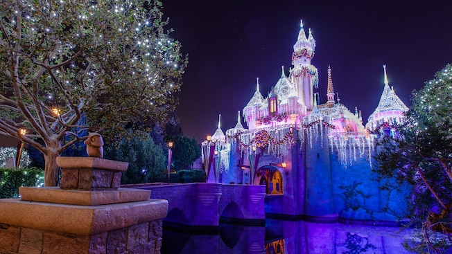 Disneyland Christmas 2019.2019 Disneyland Christmas Guide Dates Tips Decorations