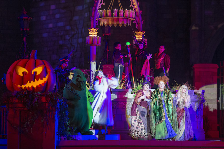 Hocus Pocus Villain Spooktacular at Mickey's Not-So-Scary Halloween Party