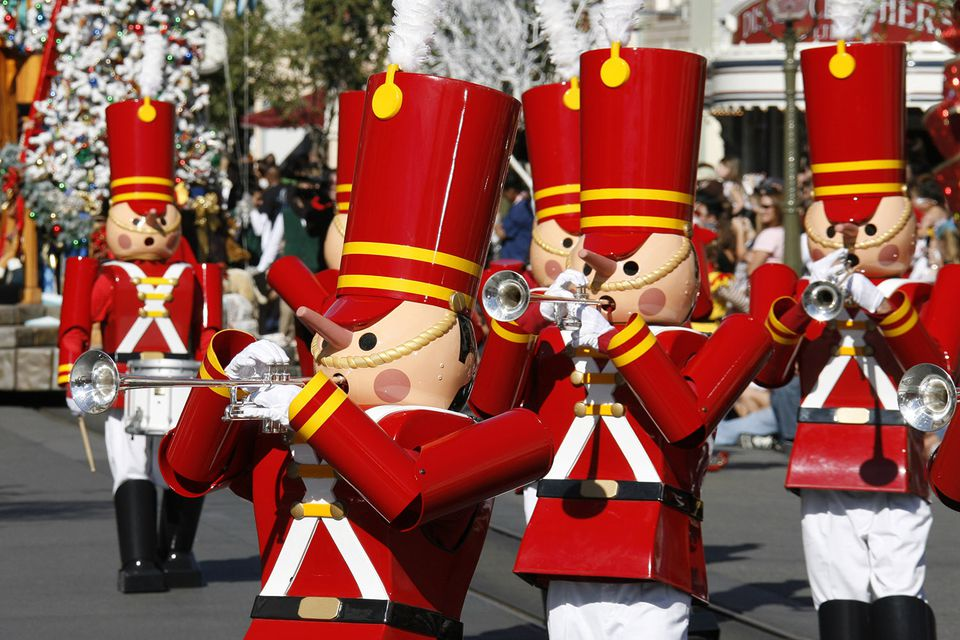 Disneyland Parades Guide: Nutcrackers during a Disneyland Christmas parade