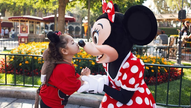 Minnie and little girl