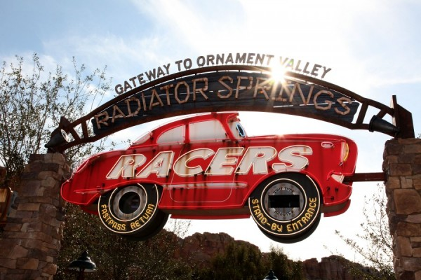 Radiator Springs Racers fastpass sign