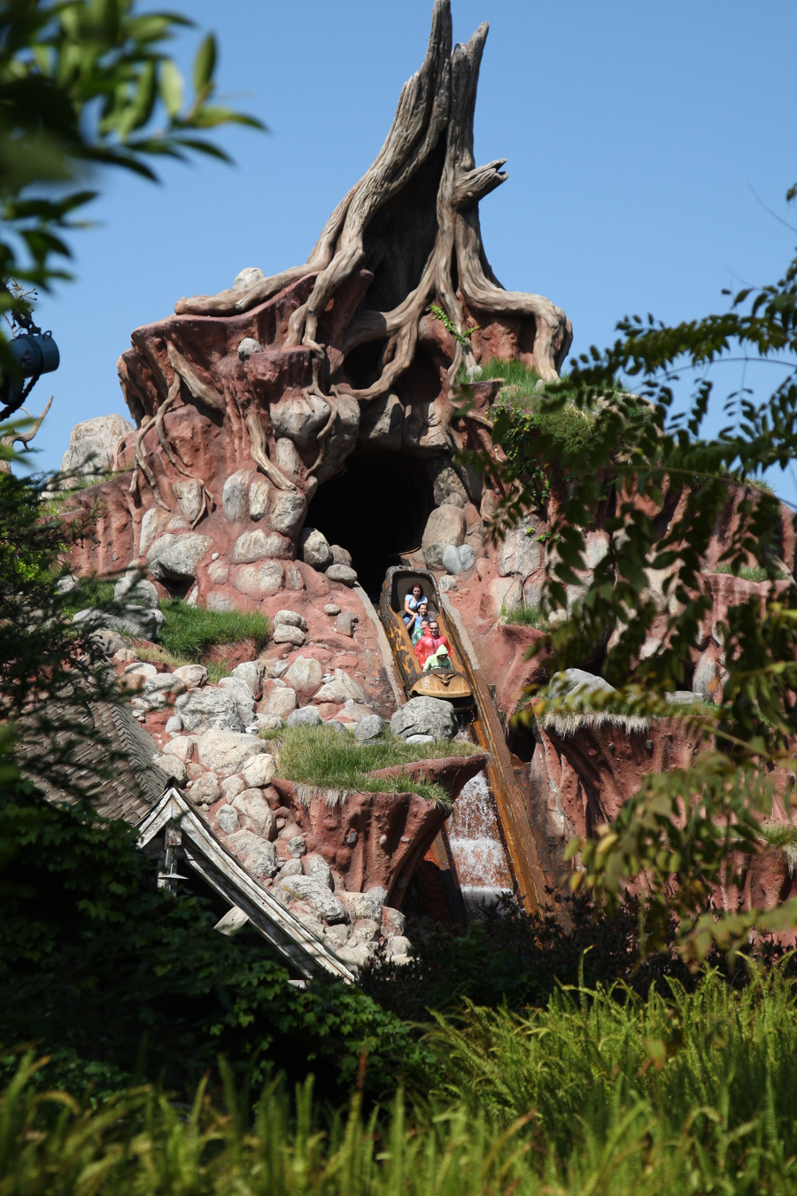 Outside of Splash Mountain during the daytime