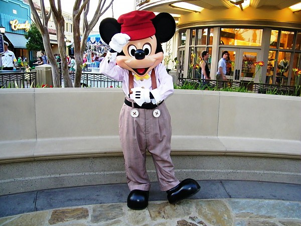 Mickey Mouse in Buena Vista st costume