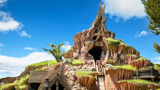 Splash Mountain with sky blue background