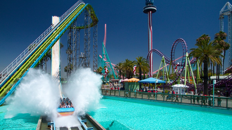 Knott's Berry Farm discount tickets : Water slide with a splash at Knott's Berry Farm
