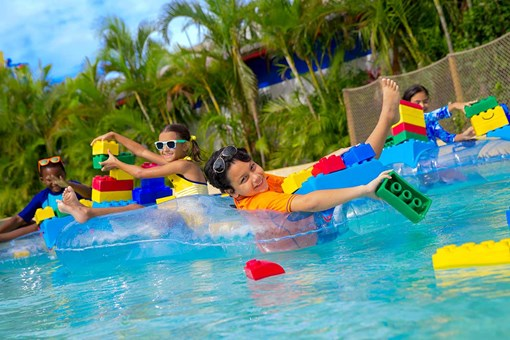Build a Raft in the LEGOLAND waterpark