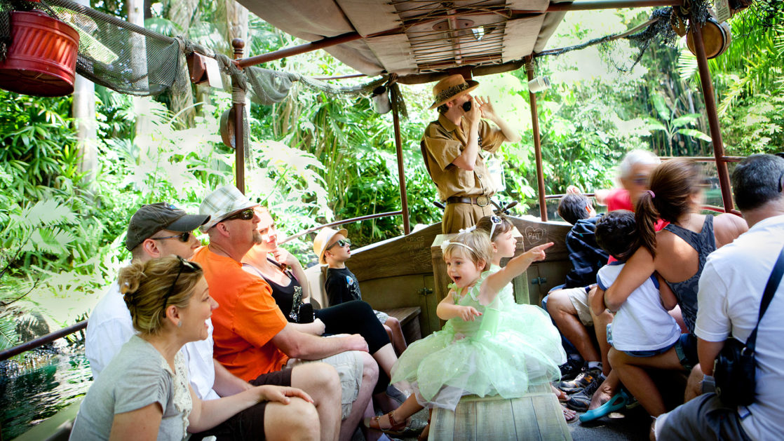 Jungle Cruise tour full of guests