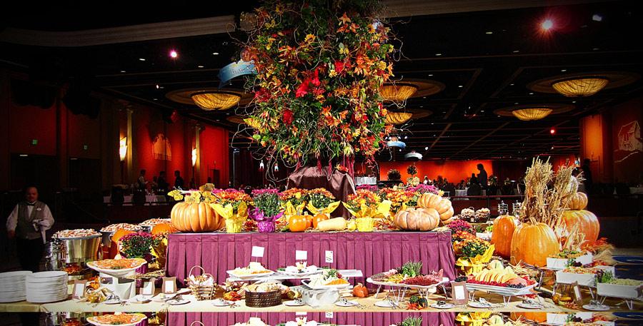 Thanksgiving at Disneyland buffet meal