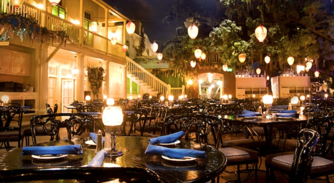 Blue Bayou night time setting