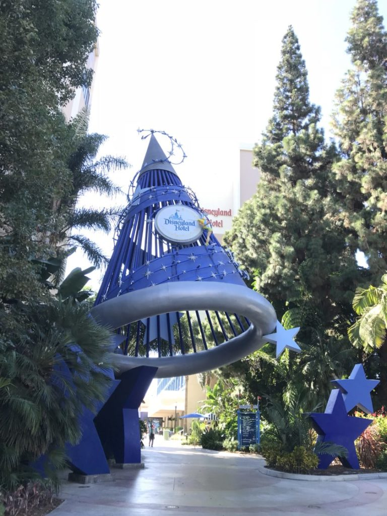 Entrance to the Disneyland Hotel