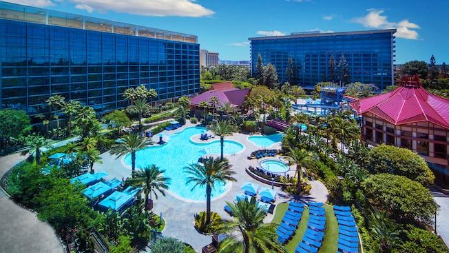 Pool of the Disneyland Hotel