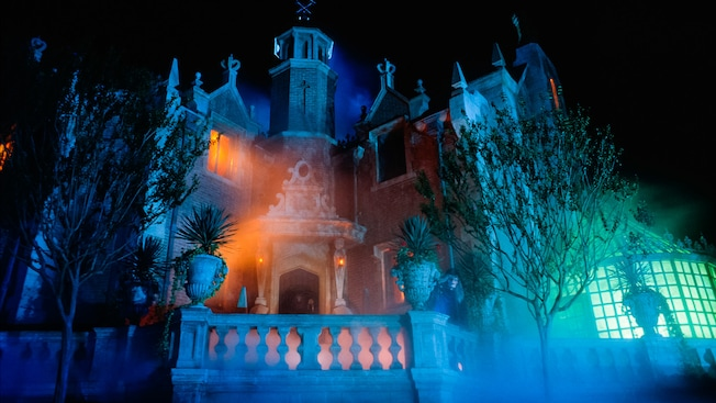 Outside of the Haunted Mansion at Walt Disney World